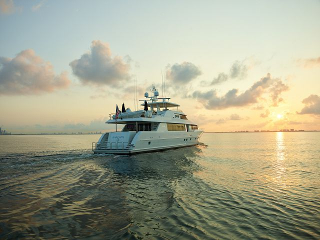 5 Reasons Why The 112' Westport Motor Yacht is the perfect yacht for shared ownership.